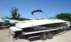 2005 Rinker 282 Captiva For Sale by Heartland Marine Boat Sales - Sunrise Beach, Missouri Exterior Color