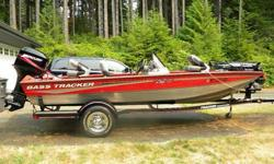 2006 Bass Tracker PT175TX with Mercury 50hp 2 stroke ELPTO motor. Tracker aluminum all-welded hull, 46lb thrust Motorguide trolling motor, Trailstar drive-on trailer, and Mercury 50hp Pro series outboard. This boat comes with everything to include