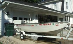 14 Foot Lowe Aluminum Boat. It's a 1976 Deep V. Excellent condition. 25 H.P Mariner 2 stroke Engine./ w/gas tank Starcraft Trailer Can be seen in North Muskegon. $3500.00