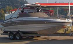2008 CROWNLINE 252 EX, 26, Crownline's new 252 EX takes deckboat styling to a totally new level, raising the bar for comfort and styling like never before seen in the industry. The elegant new stern design flows easily into the wrap around extended swim