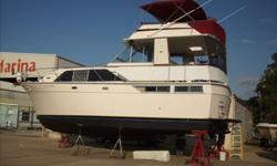 Selling a 1976 Pacemaker Motoryacht Flybridge 43Ft.Twin Crusaders 454/700 Hp. 300gls.gasolineDisplacement, 23000 Lbs. Beam 14, Draft 3,Electronics