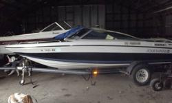 1990 Four Winns 170 Freedom 17' comes with boat cover, depth sounder, stereo am/fm cd player w/ 4 speakers, fire ext, ropeller stainless steel 3 blade, swim step w/ fold down ladder, trim indicator, transom jack and trailer $4000 OBO