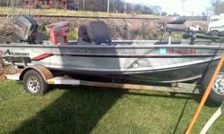 This is a great multi type fishing machine, sngle counsel, ski boat or just take ur girl or family to the beach. 100 hp oil injected 2 stroke, yacht club bunk trailer,new tires and bearings. New carpet, 4 new seats, new livewell pump,bilge pump. 5 life