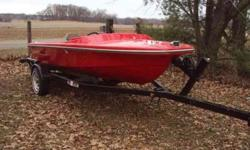 1971 fourteen feet traveler speed boat--costem painted & new floor put in last year, rated for 40 horse moter its on a 18 feet trailer with thirteen in wheels, could use smaller trailer, titled til 2015, needs motor & cables asking $ 550.00 obo, but