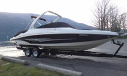 This is the TOP OF THE LINE 2007 w/all options and upgrades Rinker 296 Captiva bow rider w/merc 496 mag ho engine pushing 425hp. Enclosed head w/holding tank, wet bar, fridge, fresh water system, transom shower, gps nav system, VHF, satellite radio,