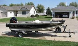 for sale 2001 smokercraft stinger 161 boat with 40hp 2stroke mercury motor w/ hydrolic tilt(motor is 2002) and 2001 northwood roller trailer. asking $5500 OBO, motivated seller! need to sell toys to pay bills...comes with 55lbs thrust minnkota trolling