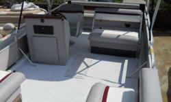 22' Deckboat with 150VRO Johnson 1991 Hurricane. Top speed around 50mph. Call 404-680-2991Listing originally posted at http