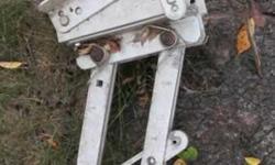 kicker motor bracket 65.00.763-258-3167Listing originally posted at http