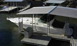 1995 Sea Ray 40 EXPRESS CRUISER Super clean 1995 Sea Ray 410 Express Cruiser. With her bold styling, huge cockpit, and luxurious interior the Sea Ray 400 Express Cruiser was considered a state-of-theart boat when she was introduced back in 1992. This was