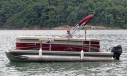 2012 Bennington 20SL New Condition with only 30 total engine hours!!! Yamaha 70hp outboard motor, privacy changing room, 4 speaker Sony CD/Radio, Bimini Top, boat cover, tons of storage compartments. Currently kept in covered slip on Watauga Lake. Can