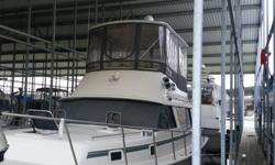 40 ft mainship Nantucket all new electronics end of last year.. radar auto pilot in motion satellite TV. .also tvs 2 .it also has a washer dryer combo ..twin 350 mercruser 270s 470 hours on motors icemaker build in custom hard top with full in closed gas
