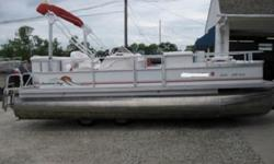 boat building companies. PontoonStuff®'s master list of pontoon boat manufacturers includes all known brands and manufacturers of pontoon boats, both new and used pontoon boats are documented here. We offer pontoon boat seats & furniture for all pontoon