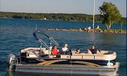 A legend in top of the line, luxury pontoon boats. Avalon?s Paradise is praised for its magnificent blend of form and function. The industry?s strongest pontoon hull is the foundation for the modern radius styling and plush furnishings made with Avalon?s