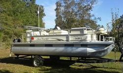 water sports or pleasure cruising in the thoughtful, newly contoured design. With room for 16, rock the boat with the Sirius-capable AM/FM/CD with MP3 jack, lounge on the padded sundeck with pop-up changing room, relax on the bow couches with recessed