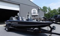 2005 STRATOS 275 PRO XL DUAL CONSOLE BASS BOAT 17 FEET 6 INCHES.115 HP JOHNSON MOTOR POWER TILT AND TRIM.DUAL LIVEWELLS LOTS OF STORAGE.MINNKOTA MAXXUM 65/SC 24 VOLT TROLLING MOTOR.LOWRANCE LMS-332C AT FRONT AND LOWRANCE X47 AT THE DRIVER CONSOLE.2 NEW