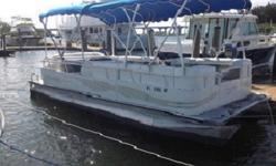 Features include: color coordinated bimini top w/removable vinyl, snap-on mooring cover, fiberglass console w/custom-molded dash,Keywords- Bennington, Bentley, SunTracker, Tracker, Tahoe, Harris, Hampton, Quest, Weirs, Starcraft, Pontoonboat, Pontoon