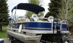"""Pontoon log material 0.080 5052 Marine AlloyMax. person capacity 10 PersonsMax. person weight 1370 Lbs.Max. weight capacity 1900 Lbs.Depth inside 24""""Approx. weight 1700 Lbs.Approx. package weight 3362 Lbs.Package height 9? 6??Package width 8? 6??Towing"""