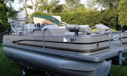 "The optional T performance package adds a 25-inch diameter center tube and 50-gallon gas tank. With more flotation and longer range, buyers can order a bigger motor for quicker runs across big lakes.Vital StatsLength 22'Beam: 8'6""Dry Weight: 2,244 lb.Max"