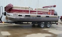 "Max. recommended HP: 115 HPPackage width: 8' 6""Fuel capacity: 32.1 GallonsPontoon log diameter: 24""Pontoon log length: 20' 4""Pontoon log material: 0.080 5052 Marine AlloyApprox. weight: 1785 Lbs.Approx. package weight: 3447 Lbs.Max. person capacity: 10"
