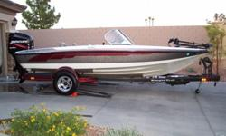 steel boarding ladder, Clarion marine AM/FM stereo/cassette player, competition steering wheel and an available canvas top. The 180 Reata comes with a matching RangerTrail® trailer that features a custom swing-away tongue, aluminum wheels, color-matched