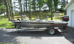 Bass Tracker Pro Crappie 175 edition bass boatSUPER MINT 2004 Bass Tracker Pro Crappie 175 edition bass boat. This one owner boat is in Excellent condition, and shows to have been very well maintained . Boat has always been garage kept.Please feel free