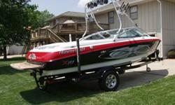 The MasterCraft X-10 is the perfect option for wakeboard enthusiasts who desire all the advantages of V-Drive performance, X-Series styling and affordability. At 21 feet long the X-10 is larger than the X-Star and smaller than the X-30. It?s also a